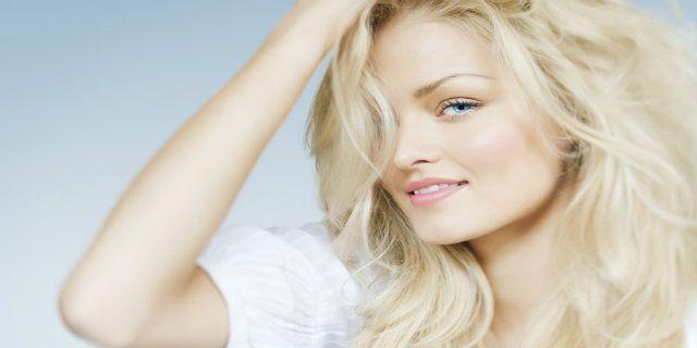 Decolorante capelli: di cosa si tratta e come utilizzarlo