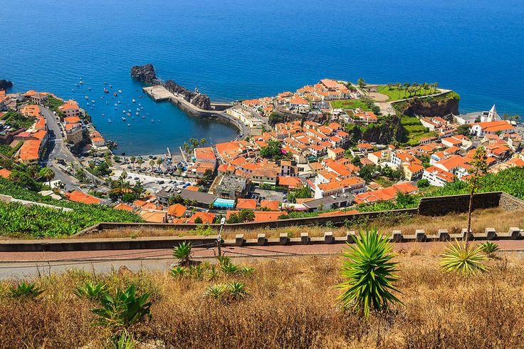Camara de Lobosin kylä ylhäältä kuvattuna. Madeiralta eivät kuvankauniit maisemat lopu. #Aurinkomatkat #Madeira
