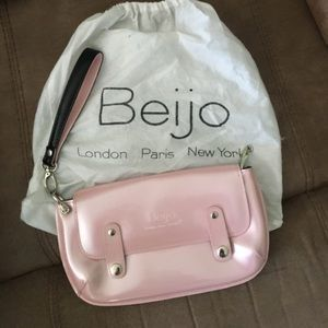 I just added this to my closet on Poshmark: Light Pink Beijo Bag. Price: $45 Size: OS