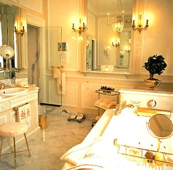 Coco Chanel`s Bathroom In Ritz