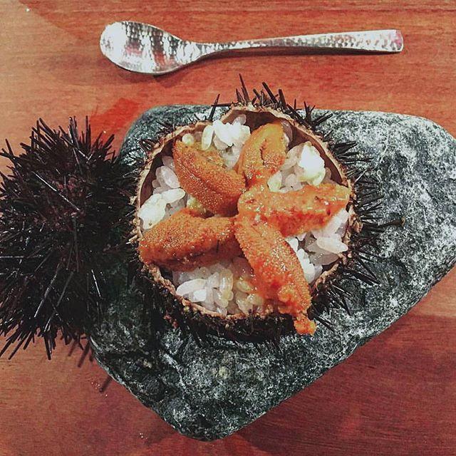 [CAVIAR DE ERIZOS] ● impecable #caviar de #erizo con arroz gohan y un toque de #wasabi en @dospalillos en el barrio del #raval en #barcelona. ● Flawless #seaurchin with #rice and #wasabi at @dospalillos in Raval quarter in #bcn  #foodie #caviarcitric #foodiemagazine #foodaddict #seafood #fresh #michellinstar #japanese #japanesefood #delish #españa #gastronomia