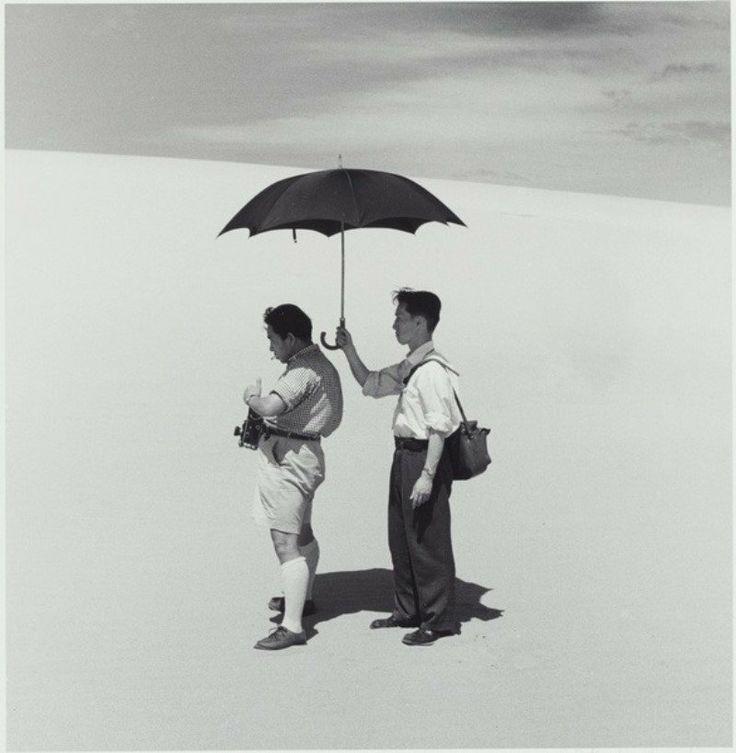 "Dunes / 砂丘シリーズ ""Photograher and Assistant"" : Photograph by Shōji Ueda / 植田正治, Model: KenDomon / 土門拳 #Tottori #Japan #鳥取 #日本"