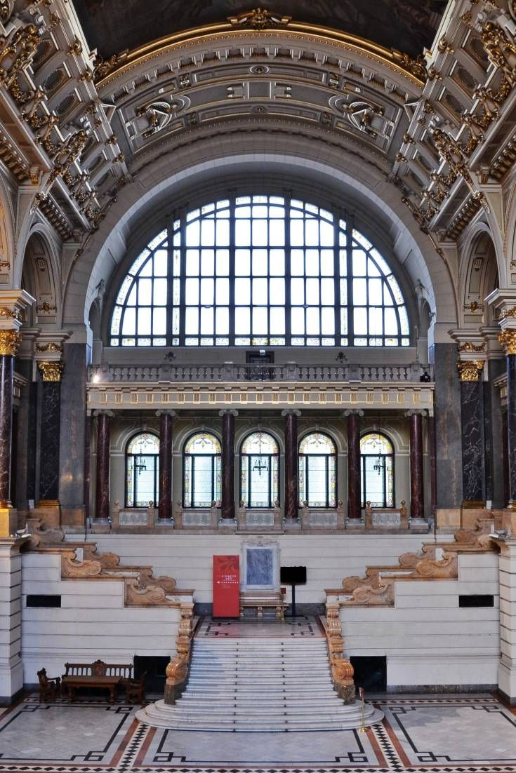 ブダペストの図書館、大学、ミュージアム、劇場のロケ地としてのメリットを実際の画像とともにご紹介します。