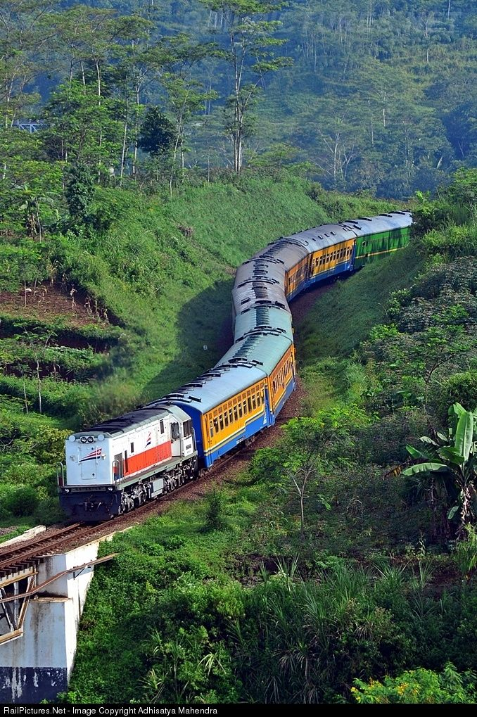 Kahuripan heading to Kiaracondong via north line » Kab