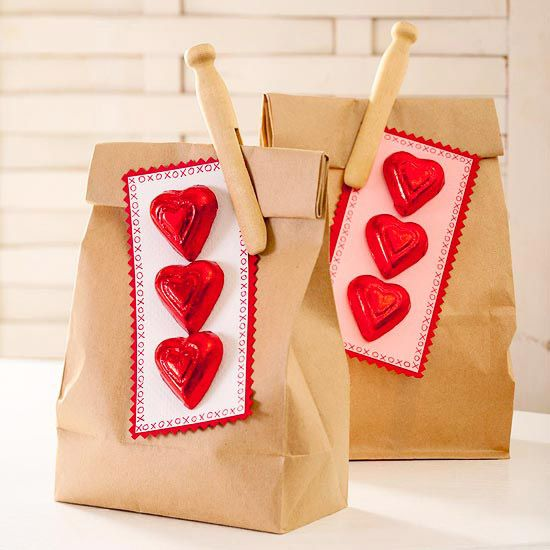 Valentine's Day Treat Bags // Valentine's Day