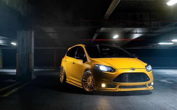 Download wallpapers Ford Focus St, 2017, yellow hatchback, tuning focus, garage, Ford