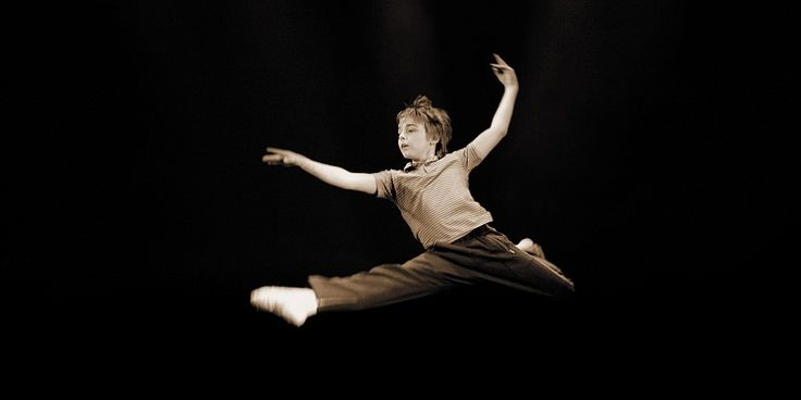 日本版上演が決定した「ビリー・エリオット~リトルダンサー~」。世界的大ヒットを記録し続けるミュージカルの文化的背景と日本版が実現不可能と言われていた事情とは。