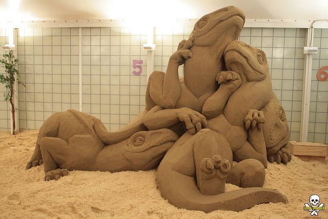 dinopile | Flickr - Hampton Beach sand sculpting contest