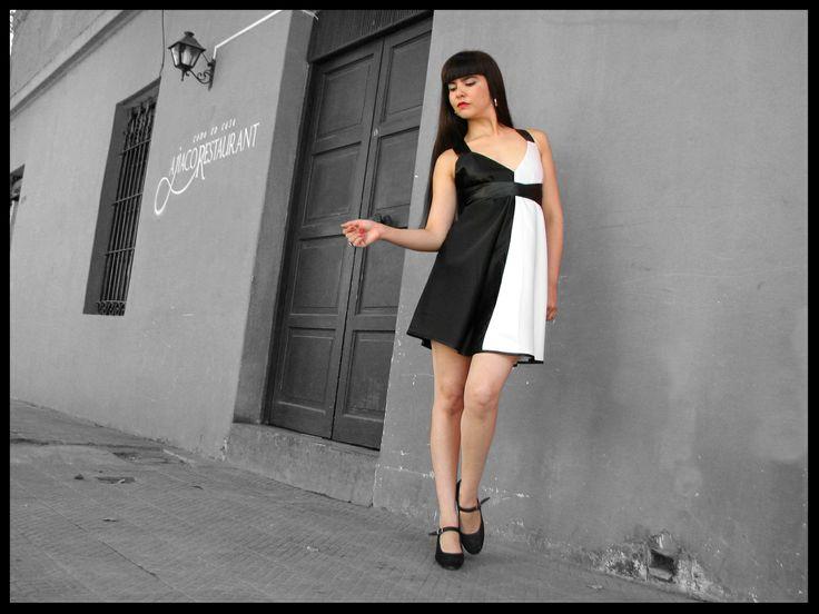 Vestido adaptable blanco/negro.