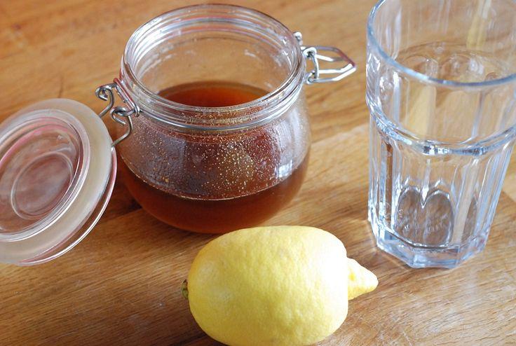 woda z miodem, cytryną i solą