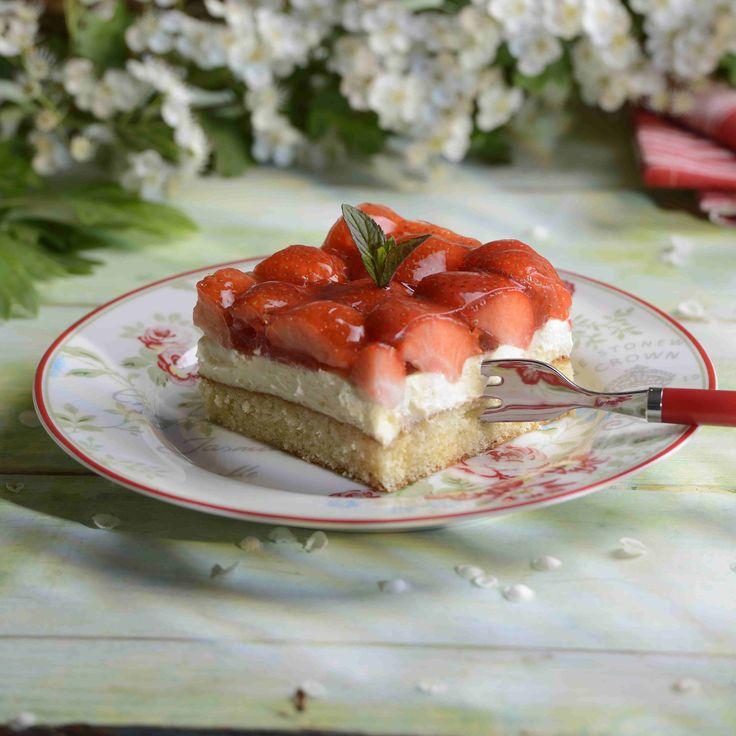 Erdbeer schmand kuchen mit paradiescreme