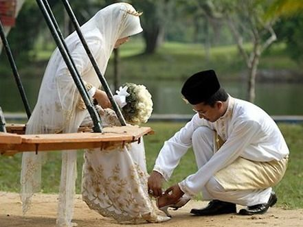 wedding Muslim couple