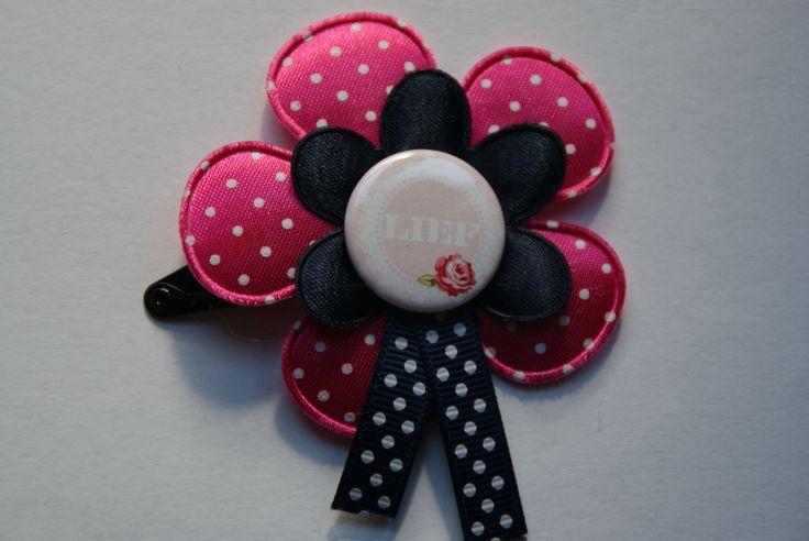 Knip met flatback waar Lief op staat met vrolijke bloemen en linten www.lotenlynn.nl https://www.facebook.com/lotenlynnlifestyle