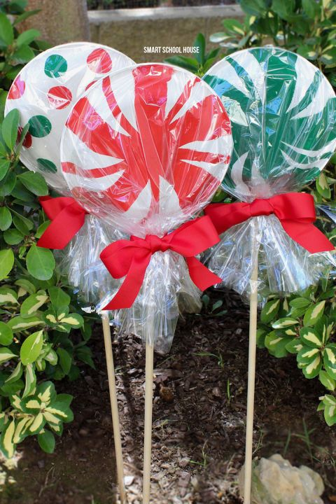 They make the coolest life-size lollipops when you add paint, a cellophane mask and a pretty red bow. Don't you think?  Get the tutorial at Smart School House »