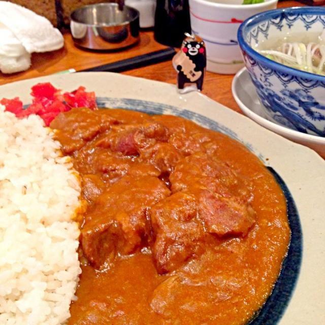 牛タン屋には、どこもほぼ「牛タンカレー」があると聞いてやってきました!ほろほろの肉の塊、すごい。 スパイシーさは相当なもので、いつまでもピリピリ感が止まらない(^^;; - 11件のもぐもぐ - 牛タン エクストラ スパイシー カレー定食!2013#269 by usukesakai