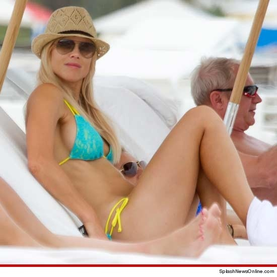 Elin Nordegren's Bikini Weekend -- Who's Ready to Rebound?