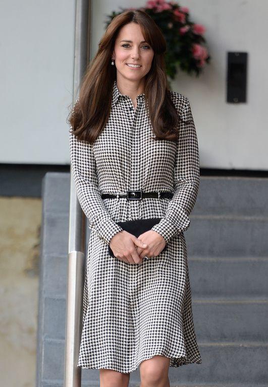 """Kate Middleton a adopté la frange car """"ça adoucit le visage"""""""