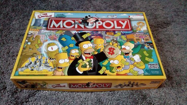 Ce jeu de société Monopoly Spécial Simpson est en excellent état, quasi neuf, et il ne manque aucune carte ni pièce. A utiliser avec soin, je tiens beaucoup à mes jeux de société (qui sont pour la plupart des présents) et je souhaite imposer, comme seule condition de location, qu'il me soit restitué dans l'état où je vous l'ai remis. Possibilité de louer un lot de jeu sur demande (voir mes autres locations, je créerai dans ce cas une nouvelle annonce correspondant à votre demande)…