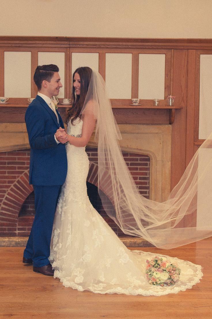 #thehitchcockwedding #vintagewedding #brideandgroom #laceweddingdress #longveil #vintageweddingdress