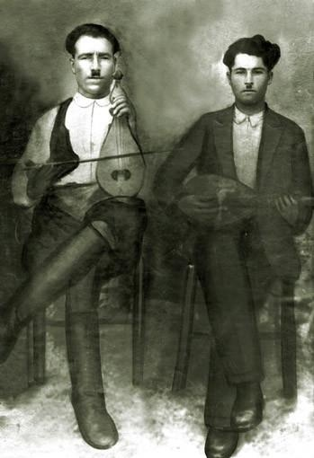 Cretan musicians, early 20th century (Yannis Harkoutsis, Aski, Pediada).