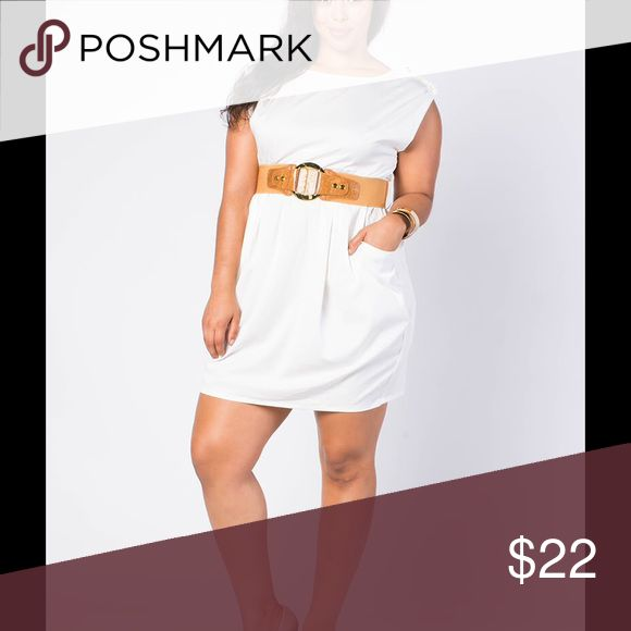 Short Sleeve Pocketed a Ivory Dress Size S Belted Ivory Dress with cute pockets! Dresses