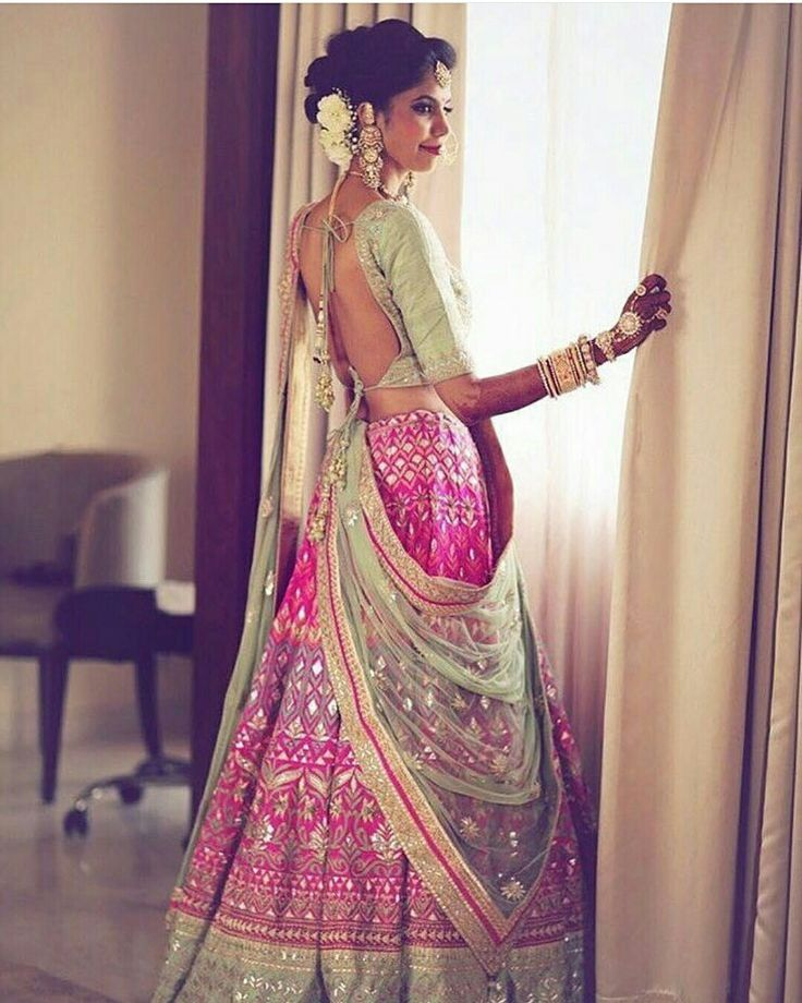 #ADLovetales #HappyBride Ayesha in #AnitaDongre #Bridal #Couture #bride #brides #indianbride #asianbride #lehenga #skirt #dupatta #embroidery #applique #handcrafted #handmade #rajasthan #india #indian #luxury #wedding #weddings #weddingday #gotapatti #makeup #fashion #style