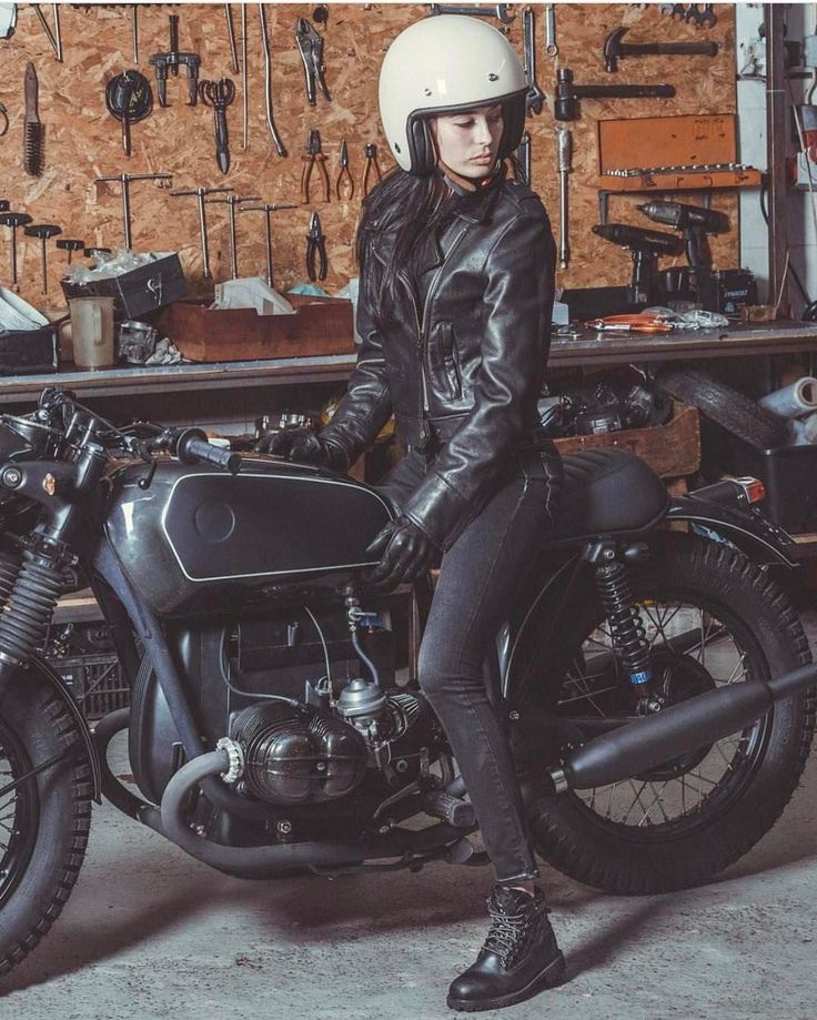 @maria.oliveira from the @foxy_riders on a @tonupgarage BMW custom, wearing @nexxhelmets captured by @manuelportugalphoto via @thunderdolls