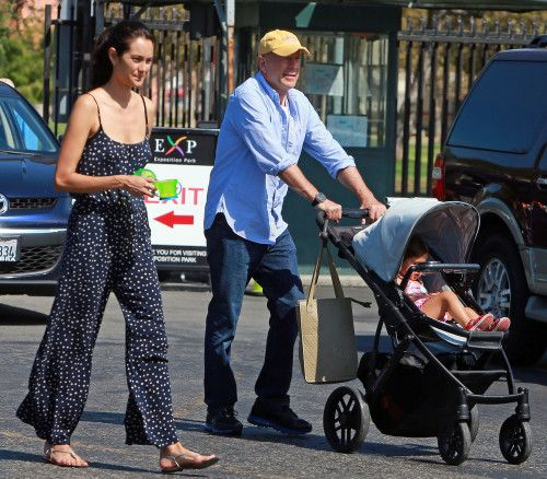 Bruce Willis & Emma stroll Mabel to the museum in style in the Mica VISTA!