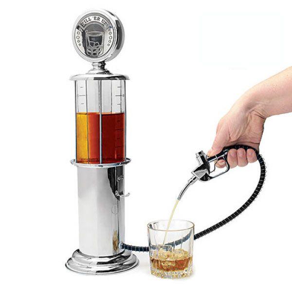 Ce distributeur de boisson façon pompe à essence vintage fera son effet auprès de vos amis lors de vos soirées apéro !      contenance : 1 l     réservoir transparent gradué     finition brillante de style chromé     fabriqué en plastique     hauteur approx. : 48 cm     diamètre approx. : 14 cm