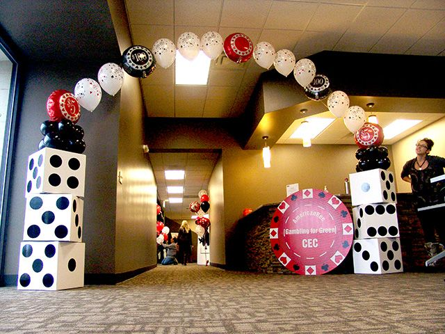 casino night 30th birthday party | ... Casino balloon bouquets will insure the party will be rockin' with