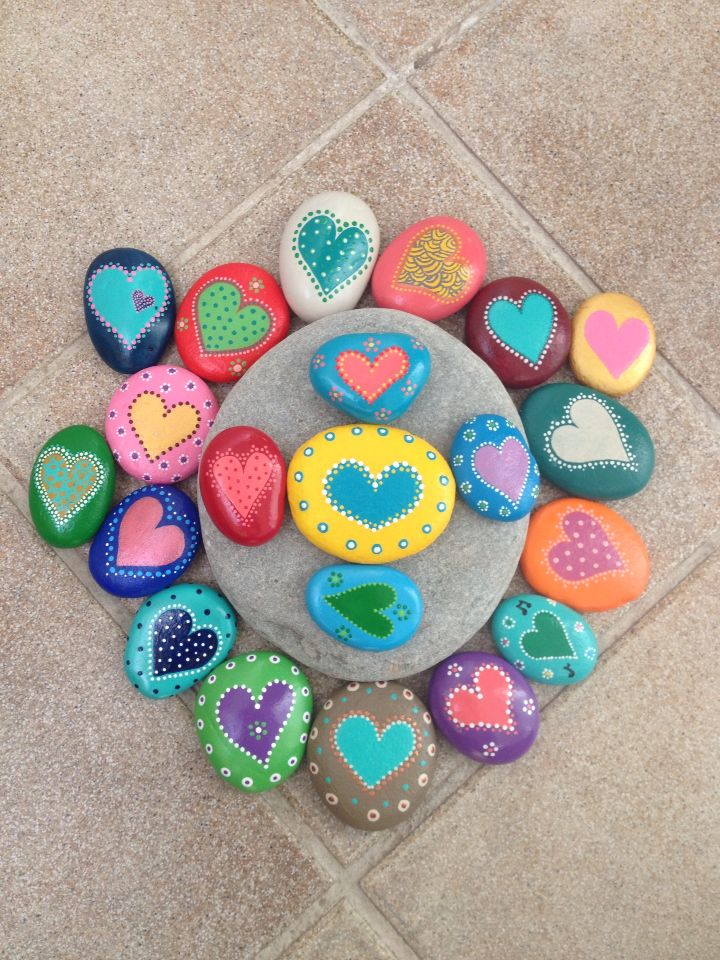 painted stones dots hearts