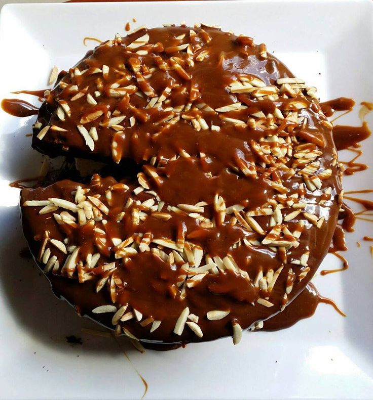 Wholefood Indulgence Choc/Caramel Cake. Gluten free, clean eating chocolate cake, made with coconut flour and almond Meal. Coconut sugar caramel. 70% dark Belgian chocolate ganache. Toasted slivered almonds.