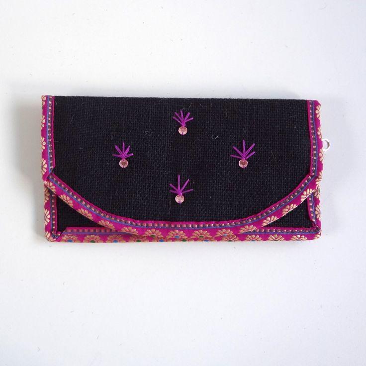 Portemonnee zwart met roze decoratie
