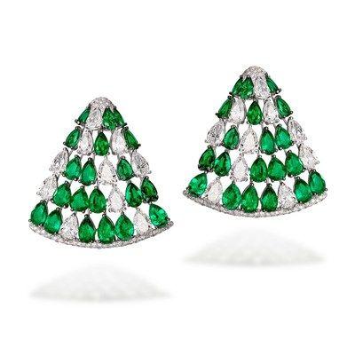 "#deGRISOGONO ""Love On The Rocks"" #HighJewellery Collection http://www.theauburngirl.com/de-grisogono-love-on-the-rocks-high-jewellery-collection/"