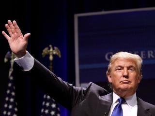 Con un estado muy avanzado del escrutinio, el candidato republicano a la Casa Blanca, Donald Trump, apunta claramente a la victoria. Los principales Estados en disputa, como Florida, Carolina del Norte u Ohio se decantan por Trump, que incluso se apunta varias demarcaciones tradicionalmente demócratas, como Michigan, Wisconsin o Pennsylvania. El resultado desmiente las principales encuestas y predicciones publicadas en los últimos días, que apuntaban a la victoria de la candidata Hillary…