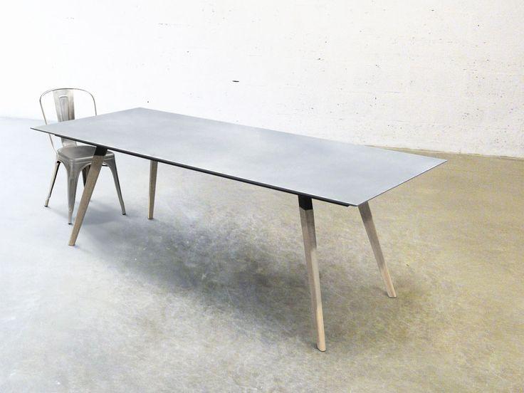 Moderner Tisch / aus Beton / Fuß aus Holz - SID220 - Numero Unique