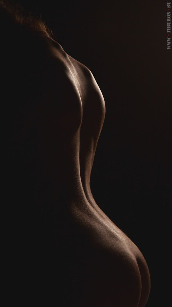 You may purchase this framed (aluminium plate, acrylic glass, Diasec) and signed photo on Ebay: http://www.ebay.com/itm/Polynomial-Splines-Superb-quality-plexiglass-bonded-fine-art-nude-photography-/251823274870