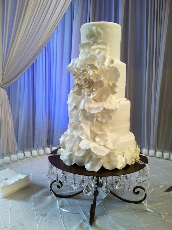 fabulous cake stands by nola b. - glamorous!!