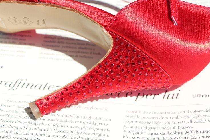 """Se sei indecisa, indossa il rosso."" Bill Blass ""If you are uncertain, wear red."" Bill Blass"
