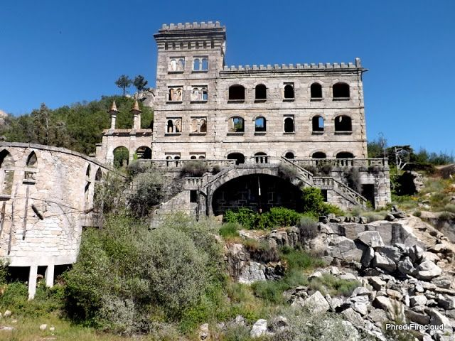 Hotel Serra da Pena. The former spa hotel was built in 1915 and is situated near the historic village of Sortelha, Portugal, a municipality of Sabugal which was known for its underground spring waters that were thought to have therapeutic effects.