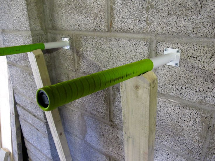 diy dip bar for home gym - cool idea to mount the bars directly to the wall; a real space saver