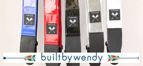 Built by Wendy/ビルト・バイ・ウェンディ - クリアフォトポケット ギターストラップ (ホワイト) 90'sにSonic Youthのキムゴードンや、HOLEのコートニーラブも愛用していた伝説的アイテムBuilt by Wendy/ビルト・バイ・ウェンディのギターストラップ。  #builtbywendy #guitar #strap #guitarstrap #ビルトバイウェンディ #ギター #ストラップ #ギターストラップ #grunge #rock #alternative #pop #nirvana #hole #sonicyouth #グランジ #ロック #オルタナティブ #ポップ #ニルヴァーナ #ホール #ソニックユース #kurtcobain #カートコバーン #courtneylove #コートニーラブ #kimgordon #キムゴードン #thurstonmoore #サーストンムーア #picture #photo #photograph #live #ライブ #写真 #ポケット #カスタム #カスタマイズ #オリジナル #オリジナリティ
