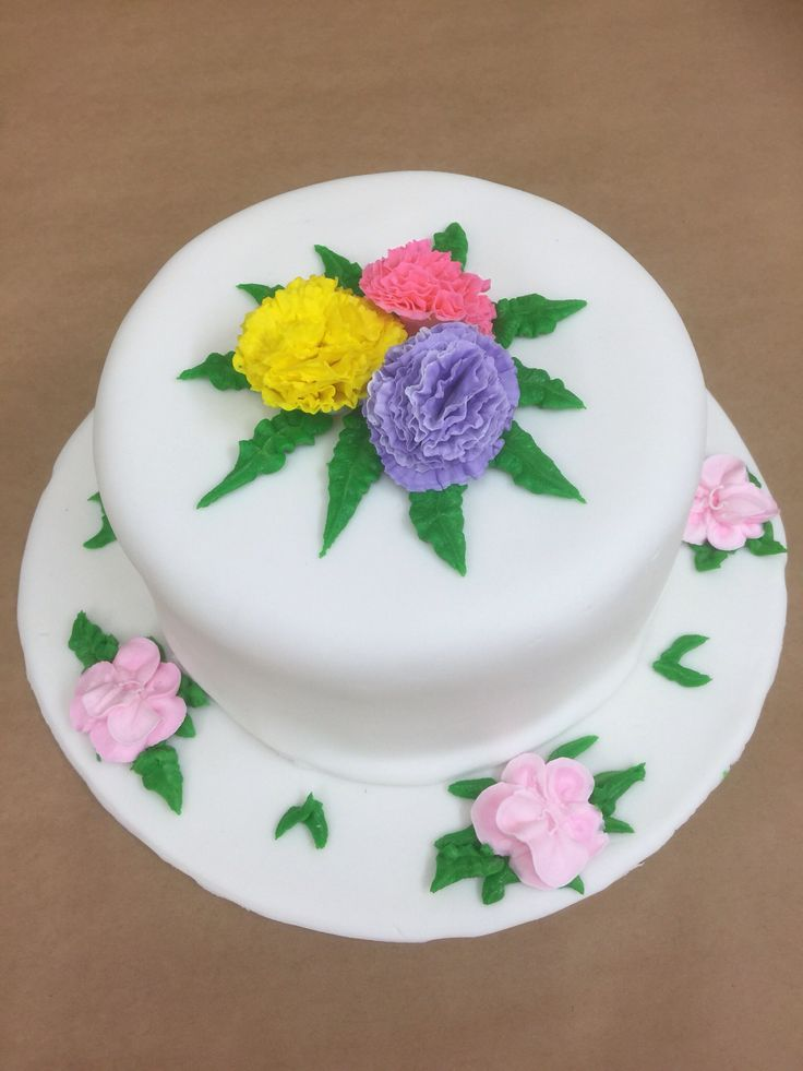 50 best images about inspired by wilton cake decorating on for Michaels craft store cake decorating classes