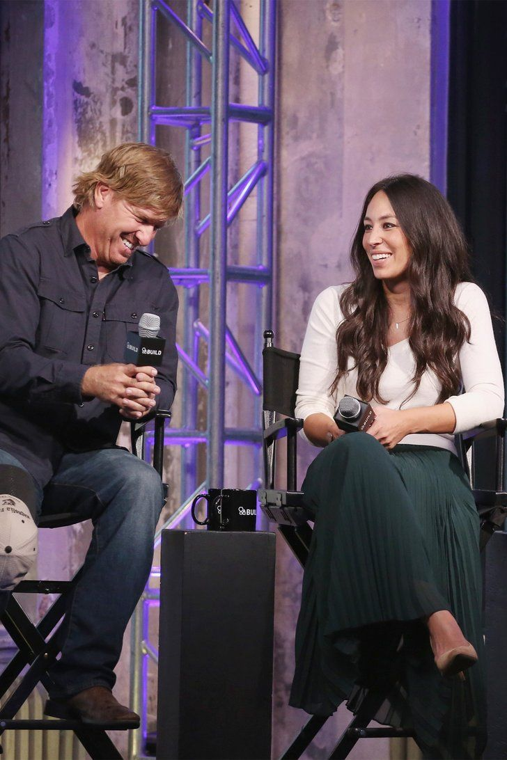 2203 best chip joanna gaines images on pinterest chip gaines magnolia farms and chip and. Black Bedroom Furniture Sets. Home Design Ideas
