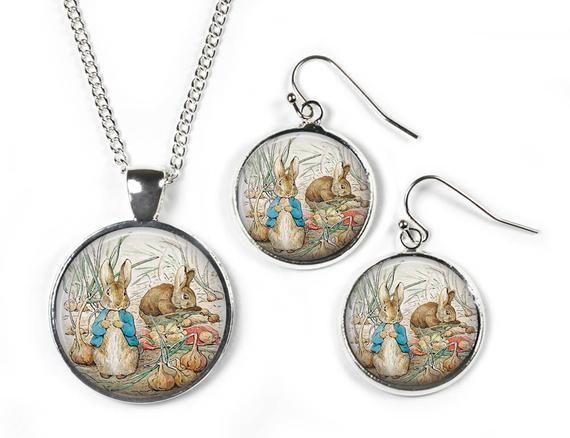 Chain – Silver Plated PETER RABBIT Beatrix Potter Glass Picture Pendant C1
