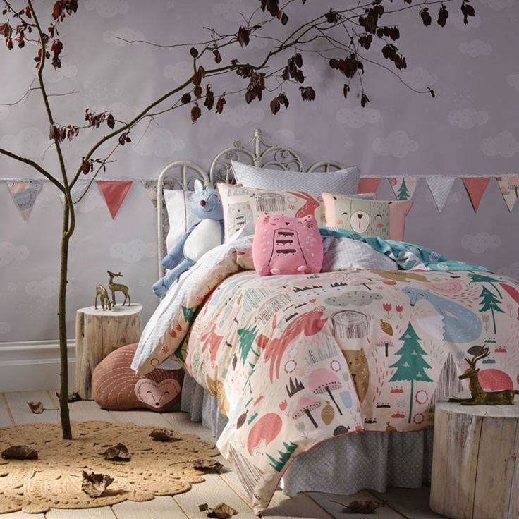 Girls room | Night stand & doona cover (Folklandia Quilt Cover Set - Hiccups