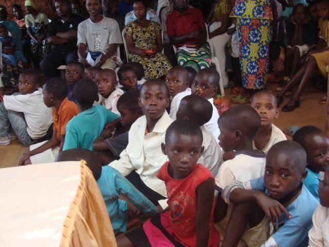 Τα Δώρα από το ταξίδι μας στην Αφρική Μπουρούντι- Ρουάντα- Ουγκάντα- Κογκό  http://www.lovepeople.gr/node/216