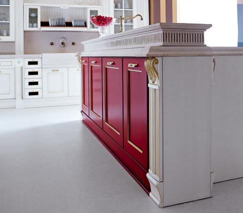 L'estensione della gamma Imperial comprende versioni laccate opache in diverse finiture, patinate, anticate, vintage. Opzionali le decorazioni in oro zecchino oppure in argento.