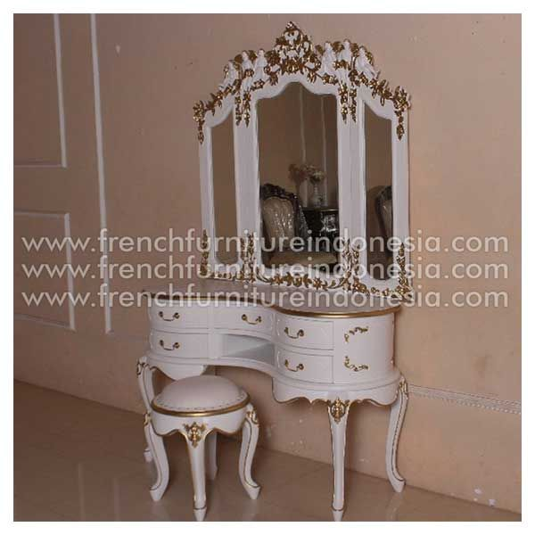 Order Antique Gold Dresser Mirror from French Furniture Indonesia. We are reproduction furniture 100% exporter furniture manufacturer with french furniture style and antique finishing. #GalleryFurniture #ReproductionFurniture #FurnitureOnline #CustomFurniture #IndonesiaFurniture