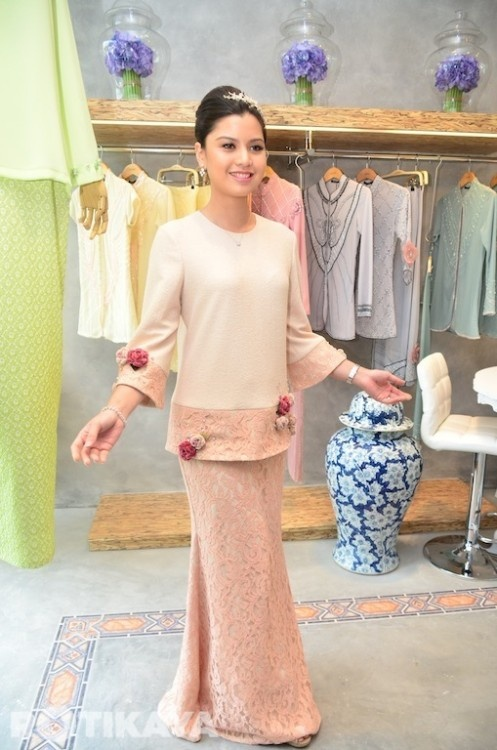 Design Baju Raya Artis : Best images about baju kurung moden kebaya on